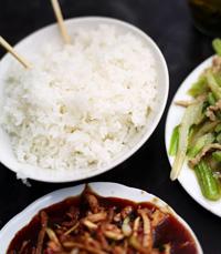 האוכל במינג לינג מתגלה כמשביע מאוד