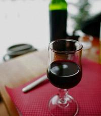 מדובר ביין חביב, לא מאוד מורכב
