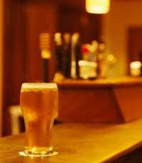 שותים אחרי החג בברים ובפאבים