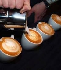 אהבה מבתי קפה