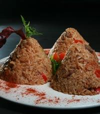 פירמידות של אורז ביריאני