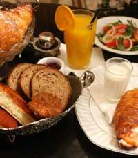 ארוחת בוקר בטאצה ד'ורו