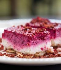 עוגת גבינה בציפוי אדום עז - משק ברזילי