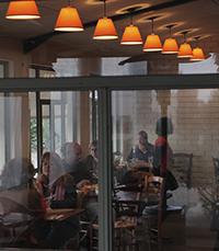 מסעדה באוירה כפרית - חנדלה