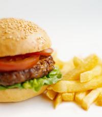 המבורגר מפורסם במסעדת ג'וי בירושלים