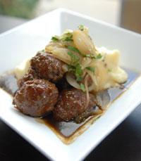 המטבח של פיאסטה כולל נגיעות וקריצות לטיניות