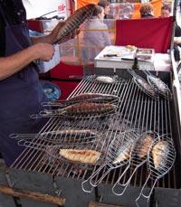 דג טרי צלוי על הגריל
