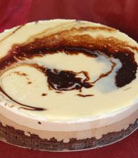חוגגים עם עוגה מקונדיטוריה