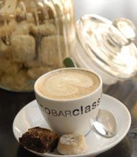 תנו לקפה להעיר אתכם במסעדה בבוקר