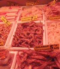 דוכן פירות ים בשוק סנטה קתרינה ברצלונה