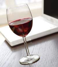 יין משובח מלווה את הארוחה - לינק