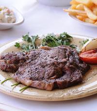 מוכרת בבשר - שיפודי התקווה חיפה