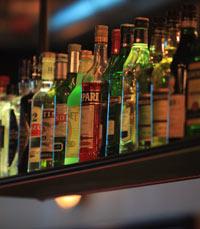 בר אלכוהול עשיר - מרלה סינגר פתח תקווה
