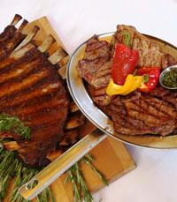 קילוגרם של בשר במסעדת מיט