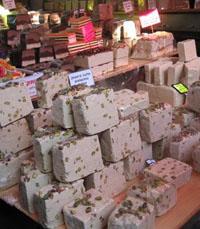 טועמים מהחלווה - סיור טעימות משוק הכרמל