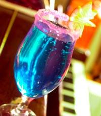 שותים אבל במידה - פאנץ' ליין תל אביב