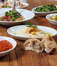 ארוחה מלאה בטעמים, ניחוחות וצבעים