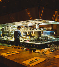המטבח הפתוח בלב המסעדה