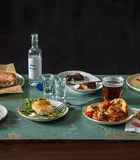 יאמאס - אוכל יווני וים-תיכוני שמח