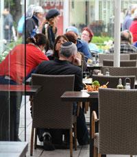 המדרחוב מתחדש עם קפה הרצל בחיפה