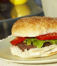 אני אוכלת המבורגר - בטי פורד, תל אביב