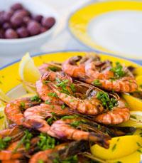 מנסה את כל פירות הים במסעדת באבאי, יפו