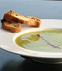 מרק במסעדת החצר ירושלים