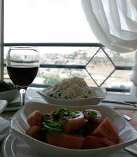 מסעדת הר מירון טובלת בנוף הררי