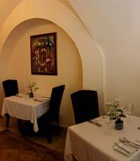 שולחן הסילבסטר מחכה במסעדה