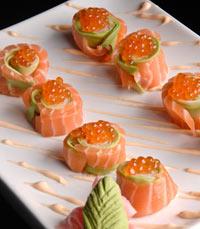 השף איה אימטני מכינה אוכל יפני משובח