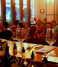דה לוקאל -מסעדה קטנה ומטריפה