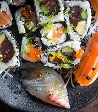 אונמי- אוכל יפני וסושי משובח
