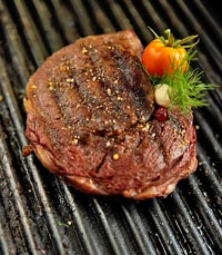 מנות בשר מושחתות במסעדת אוונגרד