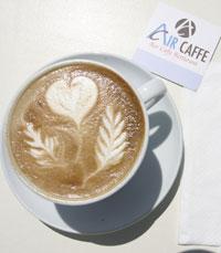 לשתות כוס קפה איכותית באייר קפה
