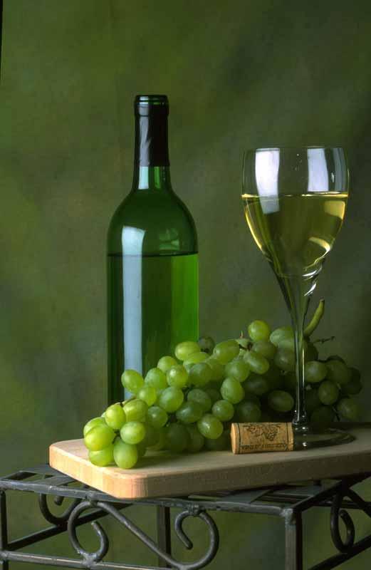 """יינות ישראליים בבית הטבק והיין ראשל""""צ"""