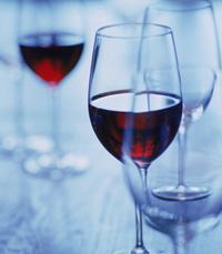 מדובר ביין ארוך, ארומתי והרמוני שיושן 12 חודשים